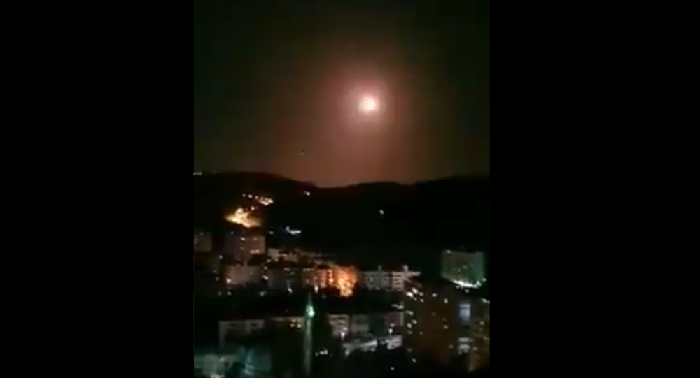 Video of Syrian air defenses engaging Israeli missiles south of Damascus this evening
