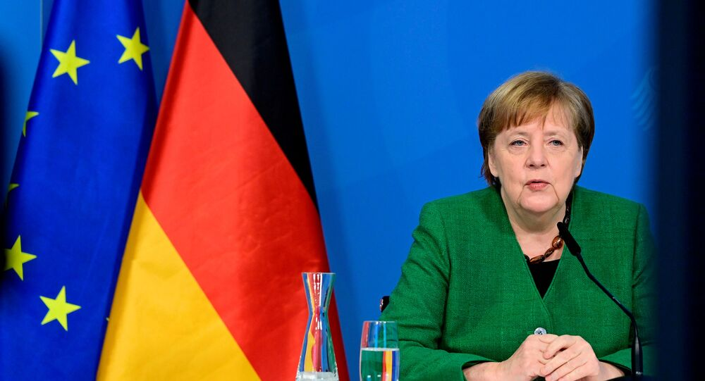 Merkel: Germany Independently Dealing With Possible Purchase of Russian Vaccine Sputnik V