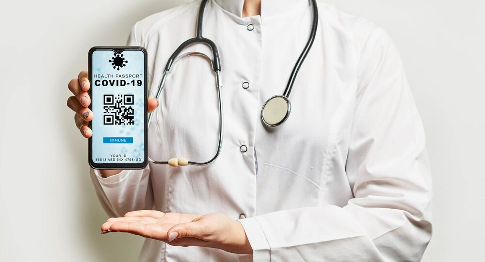 Healthcare worker announcing new Digital health passport