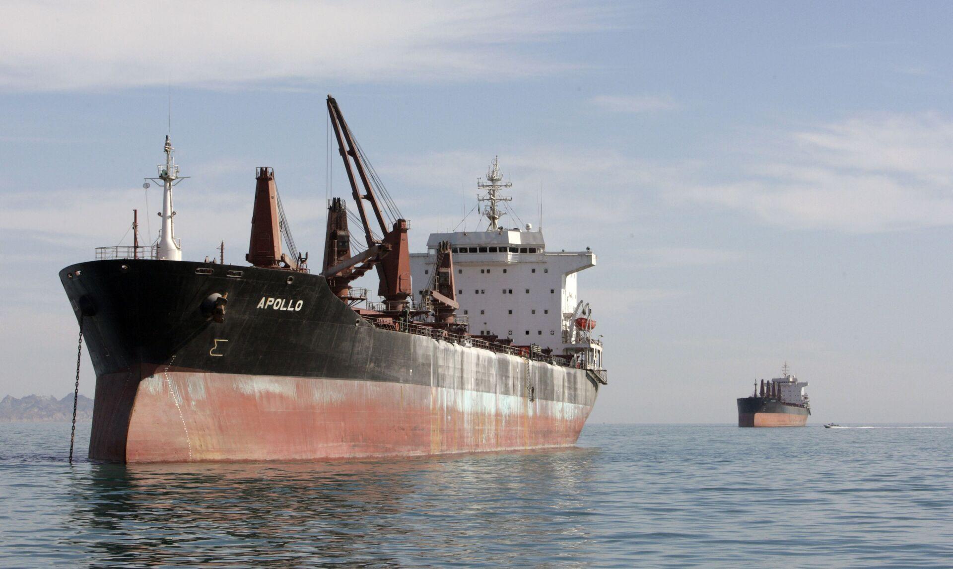 NYT: Israel Struck Iranian Vessel Saviz in Red Sea, Notified US - Sputnik International, 1920, 07.04.2021