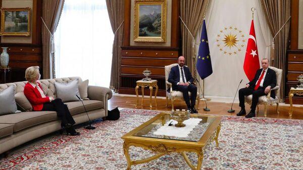 European Commission President Ursula Von der Leyen, Council President Charles Michel and Turkish President Recep Tayyip Erdoğan   - Sputnik International
