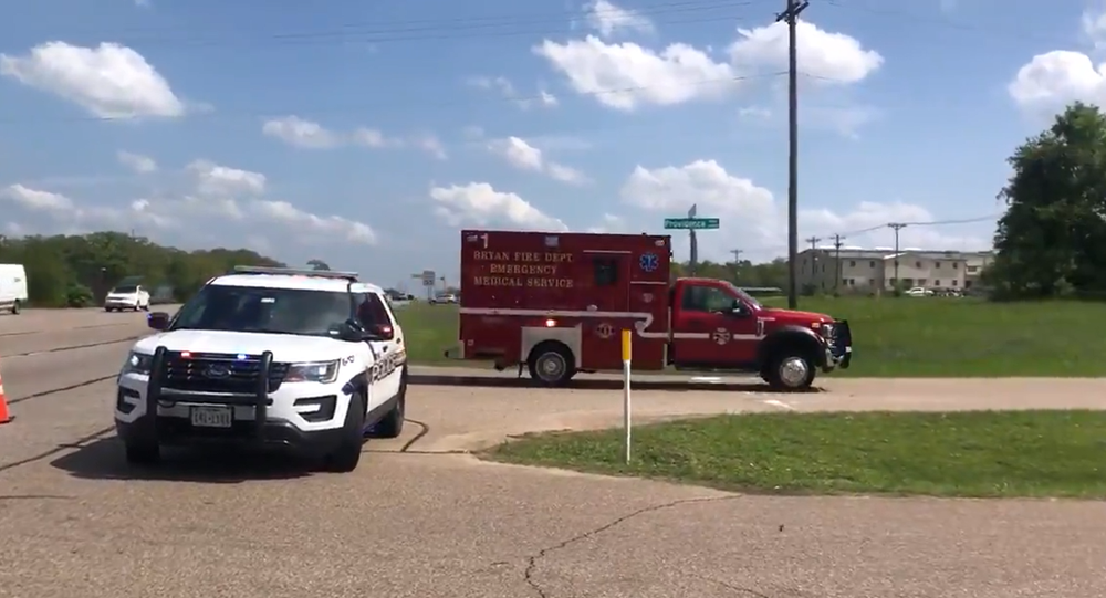 1 killed, 5 wounded in shooting at Texas business