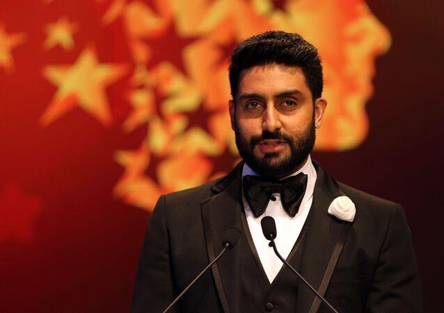 Bollywood actor Abhishek Bachchan speaks during a ceremony awarding the Global Teacher Prize, in Dubai, United Arab Emirates, Sunday, 13 March 2016