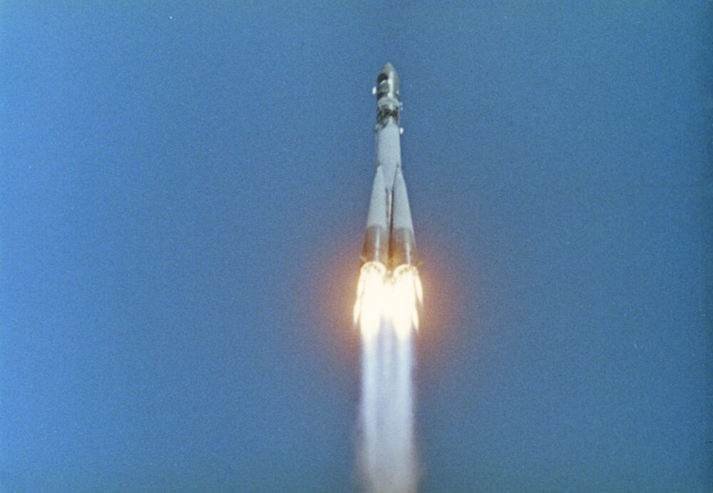 Vostok-1 takes off and flies into space. Minutes after, Gagarin makes history and becomes the first human to fly in space.