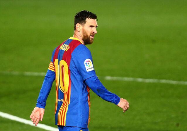 Soccer Football - La Liga Santander - Real Madrid v FC Barcelona - Estadio Alfredo Di Stefano, Madrid, Spain