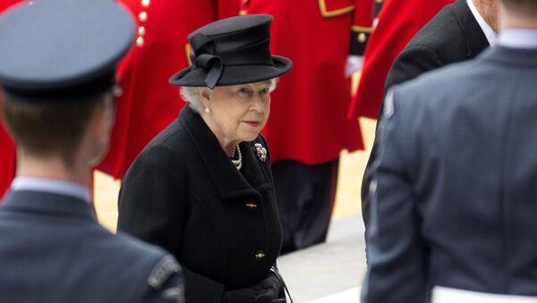 Britain's Queen Elizabeth II arrives for the funeral of former British Prime Minister Margaret Thatcher outside St. Paul's Cathedral, central London, Wednesday, 17 April 2013. - Sputnik International