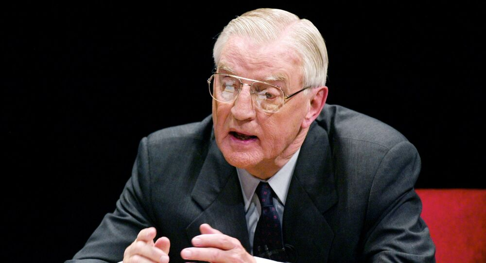 Minnesota Democratic candidate for the U.S. Senate and former Vice President Walter Mondale makes a point during his debate with Republican candidate Norm Coleman at the Fitzgerald Theater in St. Paul, Minnesota, November 4, 2002