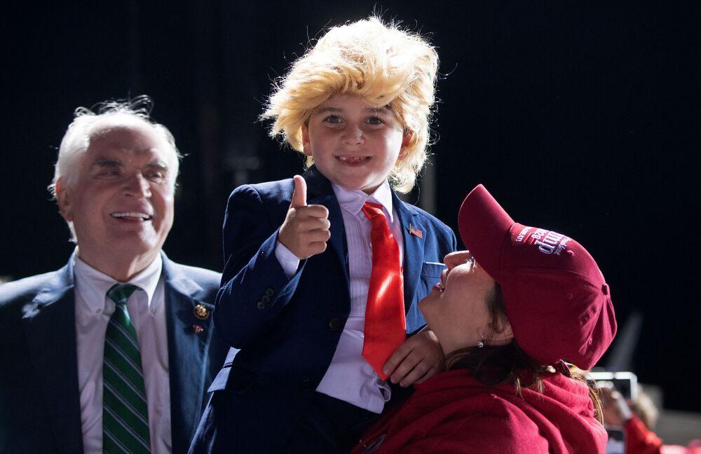 Little Trump look-alike