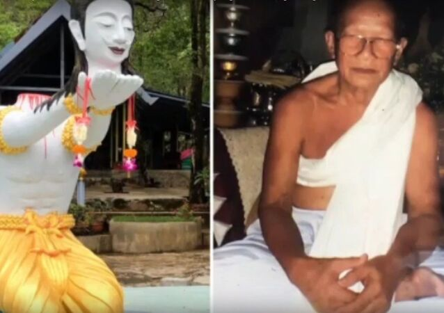 Monk chops off his own head for good luck in the afterlife