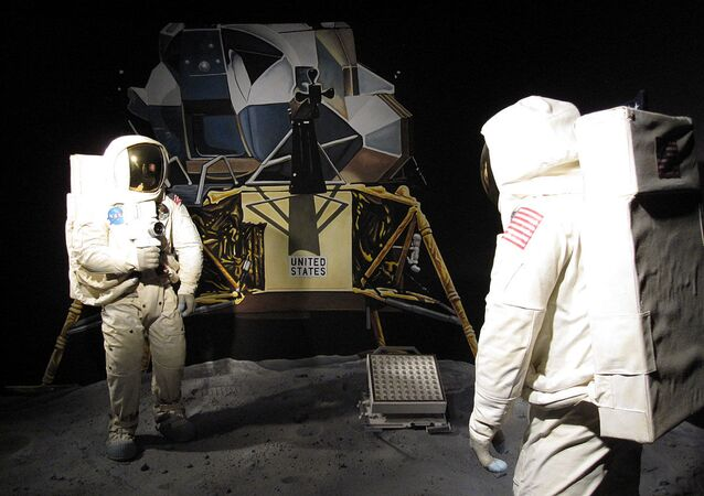 Model of the moon landing