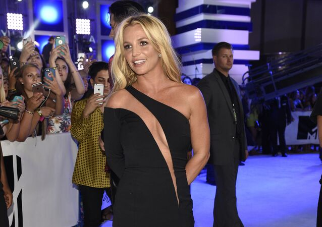 Britney Spears arrives at the MTV Video Music Awards at Madison Square Garden on Sunday, Aug. 28, 2016, in New York