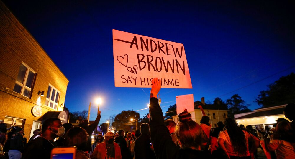 Lawyers: Pathologist Says Andrew Brown Jr. Shot 5 Times by Deputies