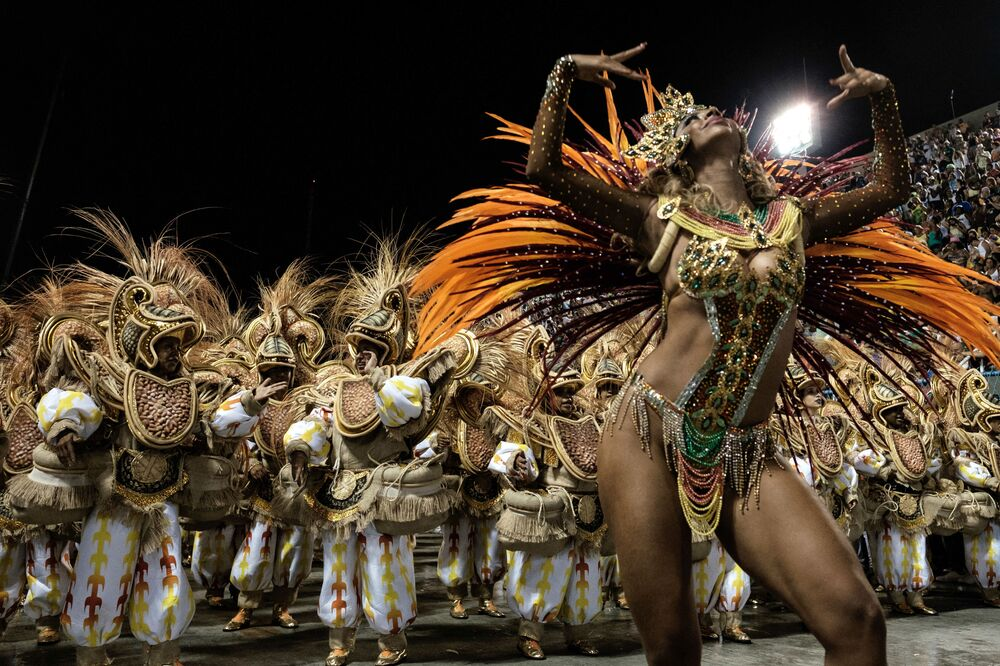 Revellers from Unidos da Tijuca samba school perform during the first night of the carnival parade at Sambadrome in Rio de Janeiro, Brazil on 8 February 2016.