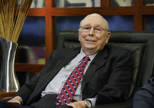 Berkshire Hathaway Vice Chairman Charlie Munger smiles during an interview in Omaha, Neb., Monday, May 7, 2018, with Liz Claman on Fox Business Network's Countdown to the Closing Bell.