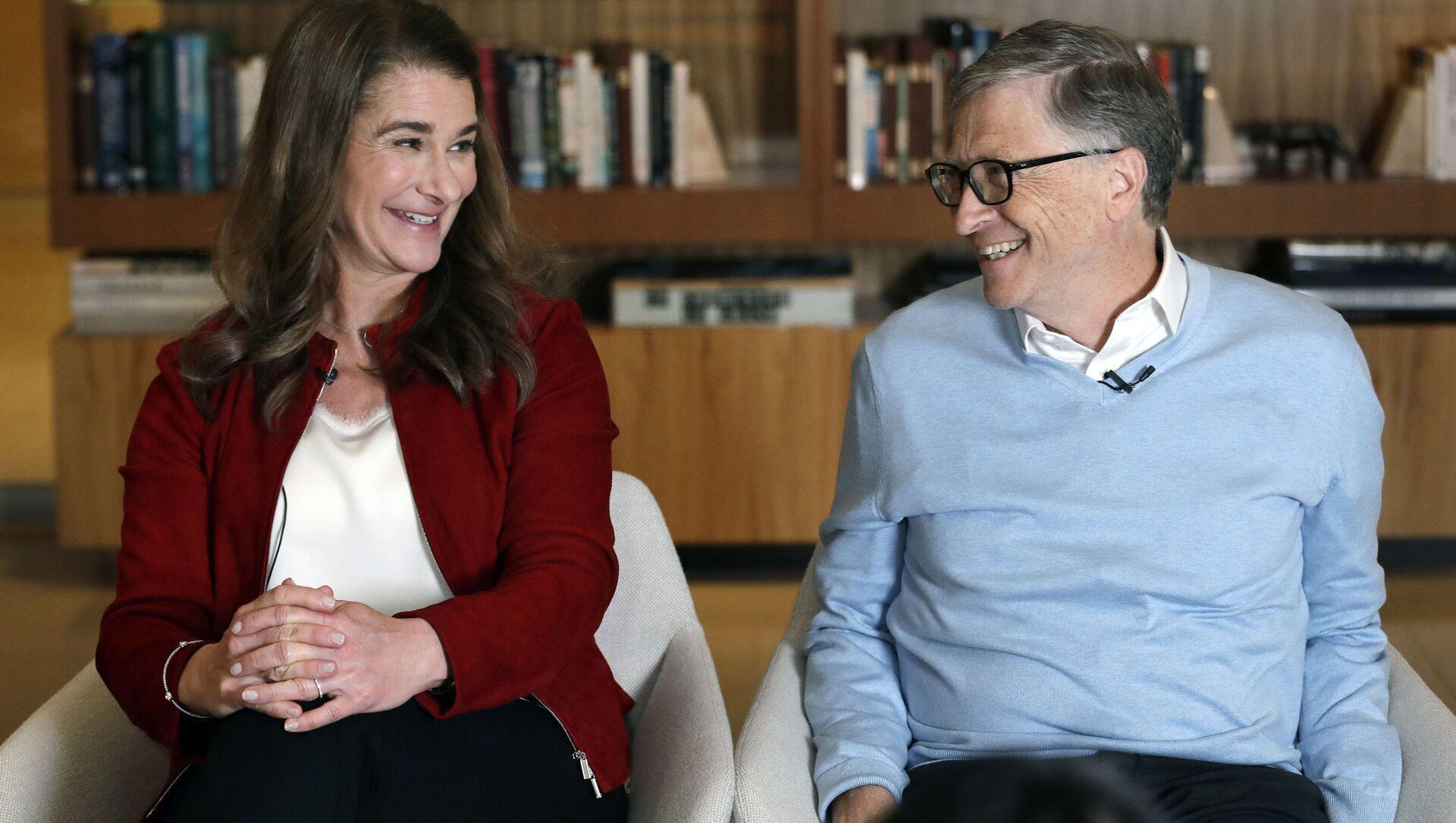 Билл Гейтс с супругой Мелиндой во время интервью в Киркланд, штат Вашингтон, 2019 год - Sputnik International, 1920, 02.08.2021