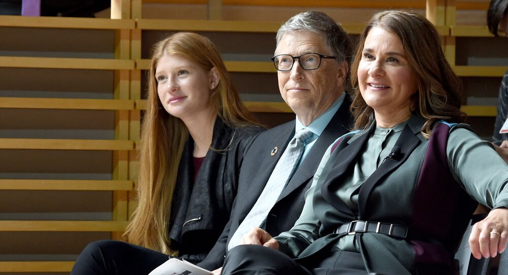 (L-R) Phoebe Adele Gates, Bill Gates, and Melinda Gates attend the Goalkeepers 2017, at Jazz at Lincoln Center on September 20, 2017 in New York City
