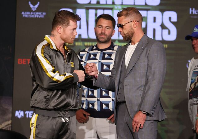 Saul Canelo Alvarez and Billy Joe Saunders come face to face in advance of their 7 May 2021 fight