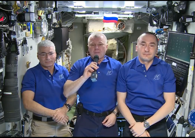 A screenshot from the video address by ISS crew congratulating everyone with the 76th anniversary of victory in World War II.
