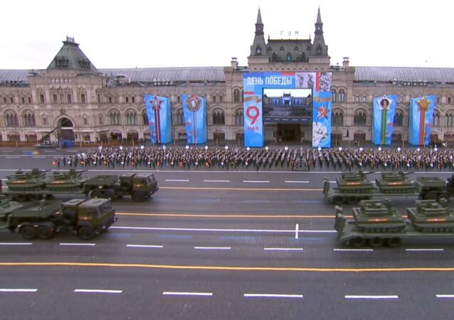 Uran-9 tracked unmanned combat ground vehicles make their way onto Red Square.
