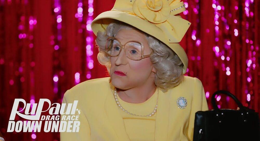Anita Wigl'It Snatch Game (Queen Elizabeth)