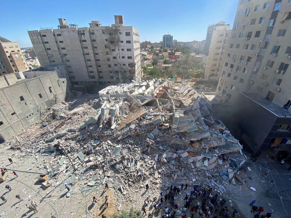 The debris of Jala Tower.