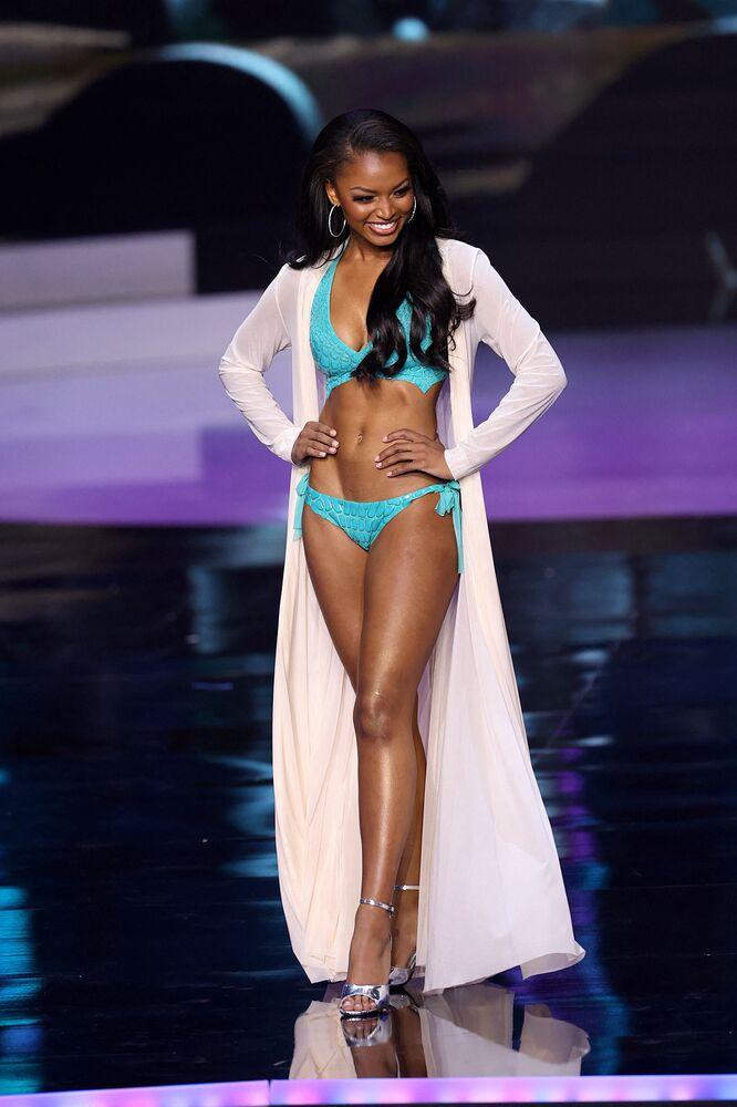 Miss Universe US Asya Branch.