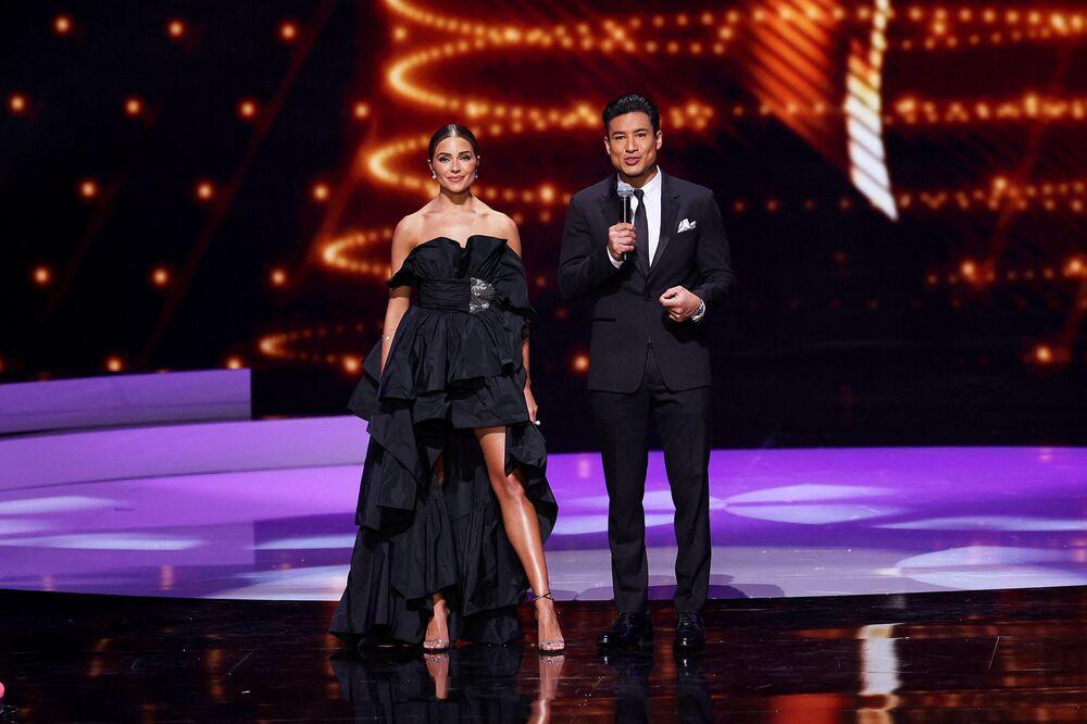 Hosts Olivia Culpo and Mario Lopez.
