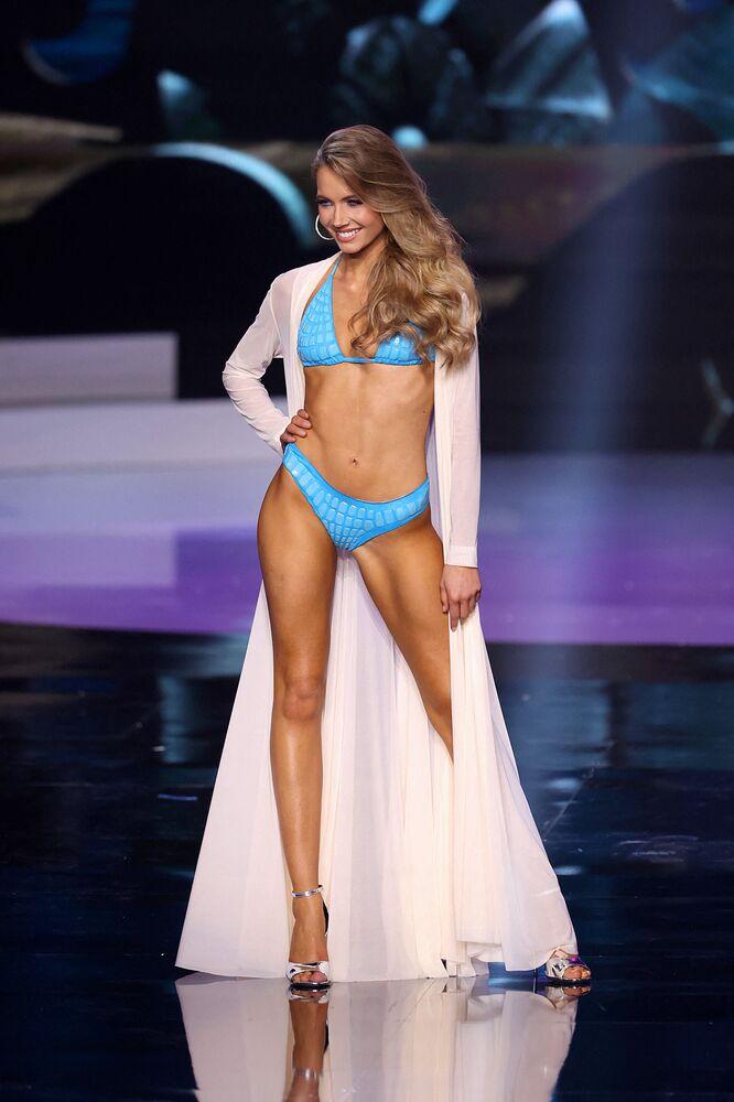 Miss Universe France Amandine Petit.