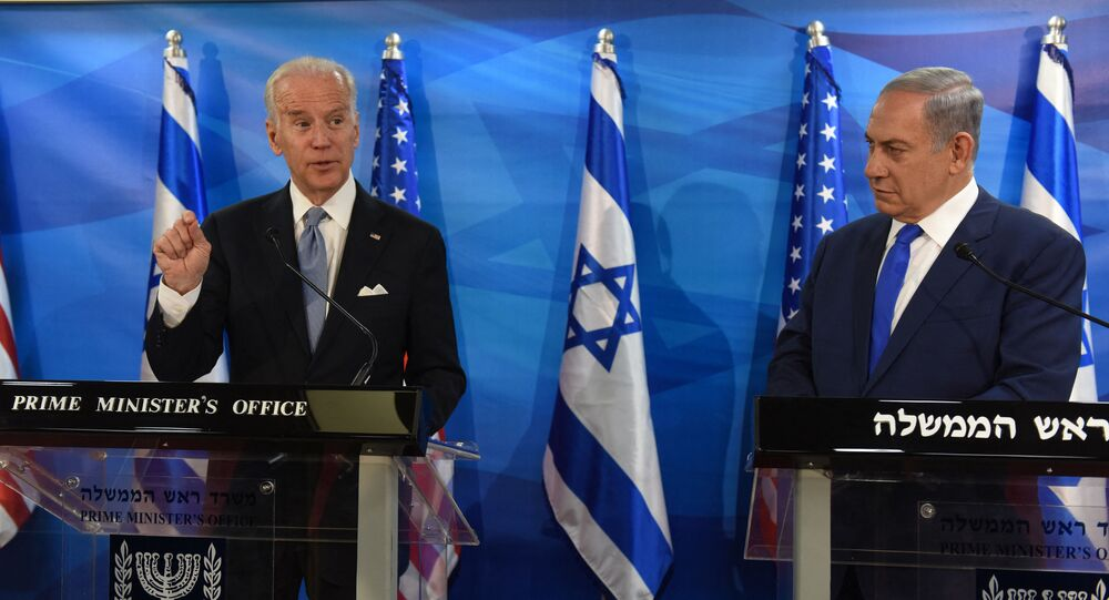 US Vice President Joe Biden (L) and Israeli Prime Minister Benjamin Netanyahu give joint statements to press in the prime minister's office in Jerusalem on March 9, 2016. - Biden implicitly criticised Palestinian leaders for not condemning attacks against Israelis, as an upsurge in violence marred his visit.