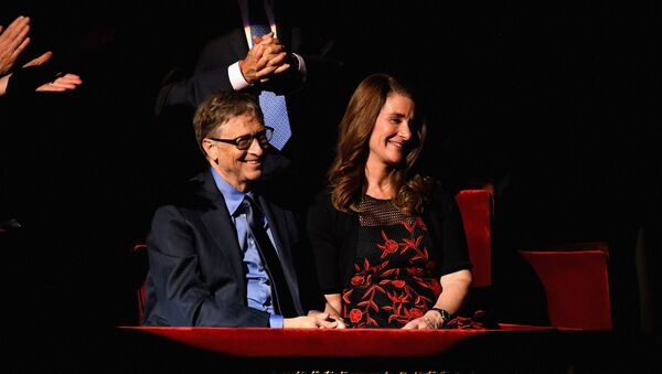 Bill Gates (L) and Melinda Gates attends the ONE Campaign and (RED)s concert to mark World AIDS Day, celebrate the incredible progress thats been made in the fights against extreme poverty and HIV/AIDS, and to honor the extraordinary leaders, dedicated activists, and passionate partners who have made that progress possible. At Carnegie Hall on December 1, 2015 in New York City.  - Sputnik International