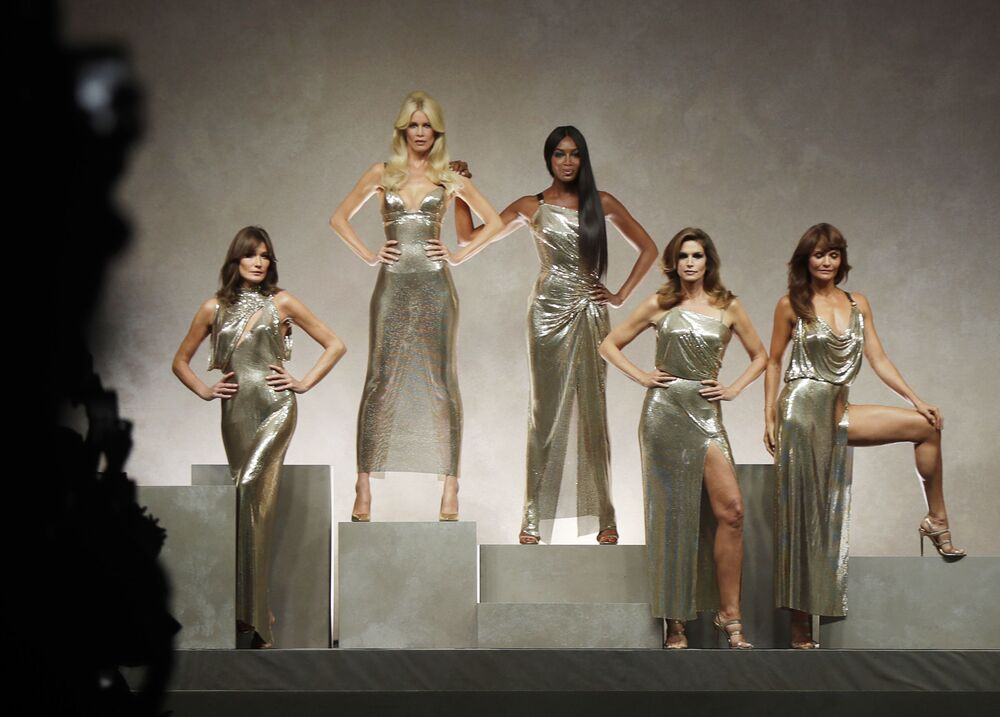 Carla Bruni, Claudia Schiffer, Naomi Campbell, Cindy Crawford and Helena Christensen demonstrate Versace spring/summer 2018 collection
