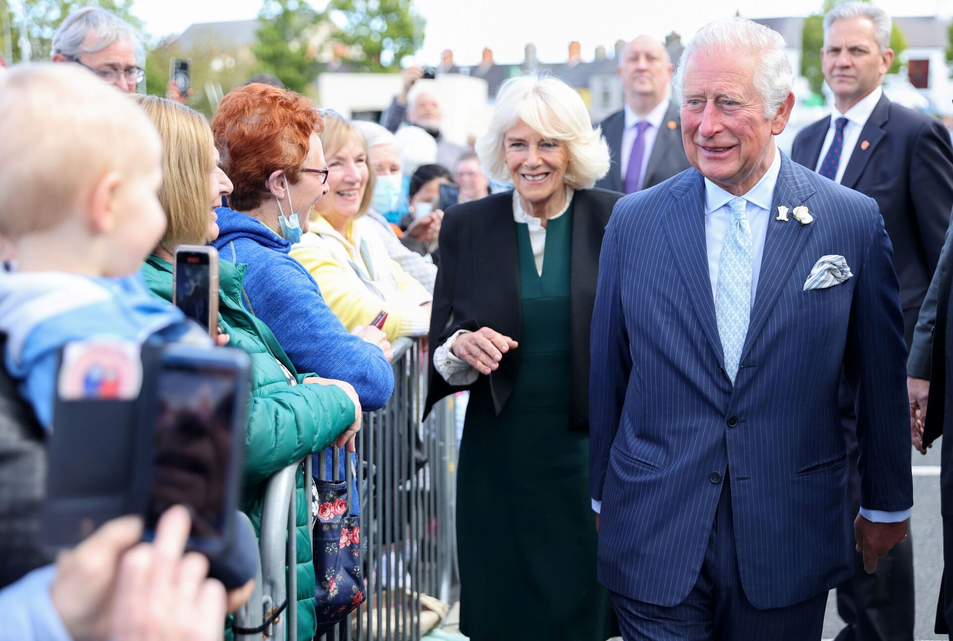 Britain's Prince Charles and Camilla, Duchess of Cornwall, meet well-wishers as they visit Bangor open air market, in Bangor, Northern Ireland, Britain May 19, 2021 - Sputnik International, 1920, 07.09.2021