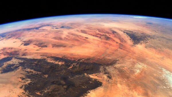 Earth Slowly Turning Into Mars  - Sputnik International
