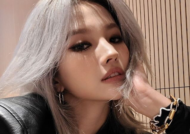 (G)I-DLE's Soyeon Gears Up for Solo Comeback