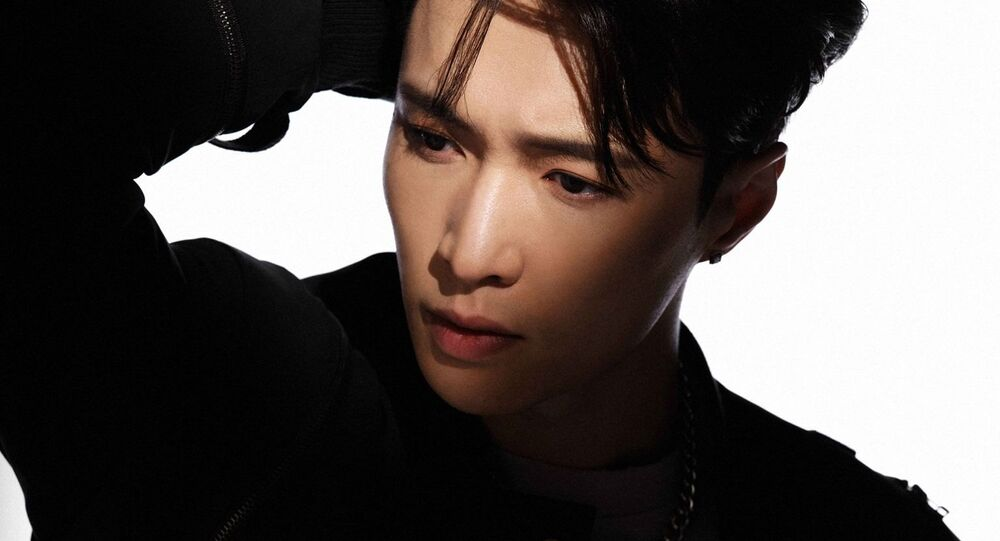 Lay on Radar: EXO's Chinese Member Trends Worldwide as First Teaser of Upcoming Album Released