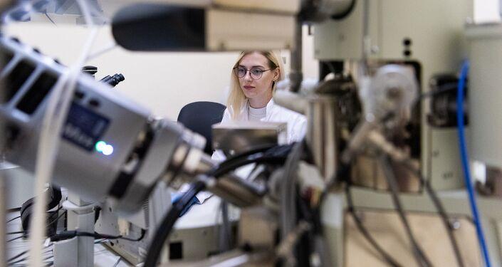 Kristina Gudz in the lab