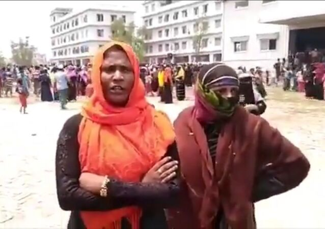 Videos from Bhasanchar showed Rohingyas staged demonstrations in the island during the visit of @Refugees  representatives on Monday