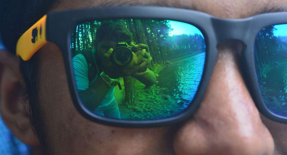 Spying spy sunglasses