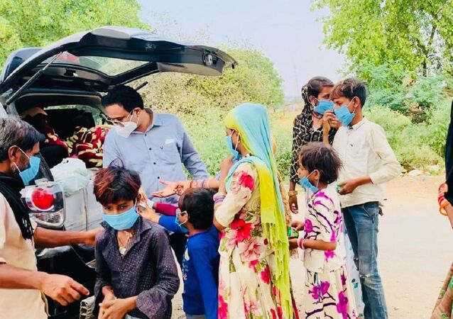 Dr. Kafeel Khan from Delhi is touring around the rural parts of India, spreading optimistic awareness among village dwellers