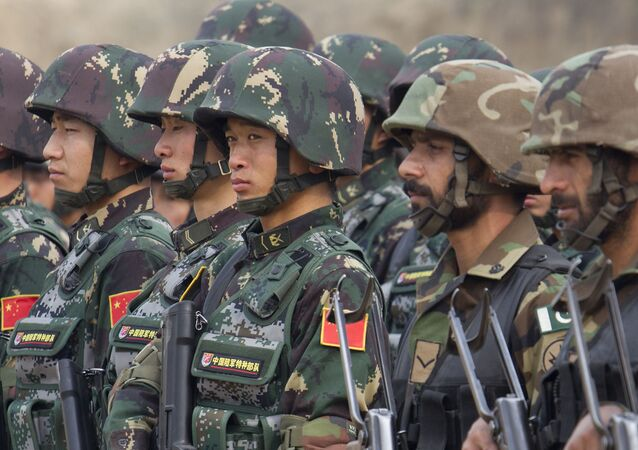Pakistan and Chinese soldiers take part in a joint exercise (File)