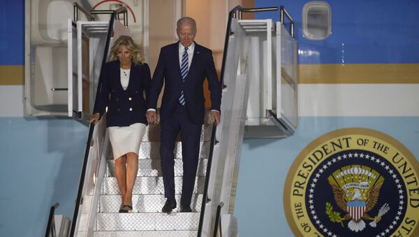 U.S. President Joe Biden and first lady Jill Biden disembark Air Force One upon arrival at Cornwall Airport Newquay, near Newquay, Cornwall, Britain June 9, 2021. REUTERS/Phil Noble/Pool - Sputnik International