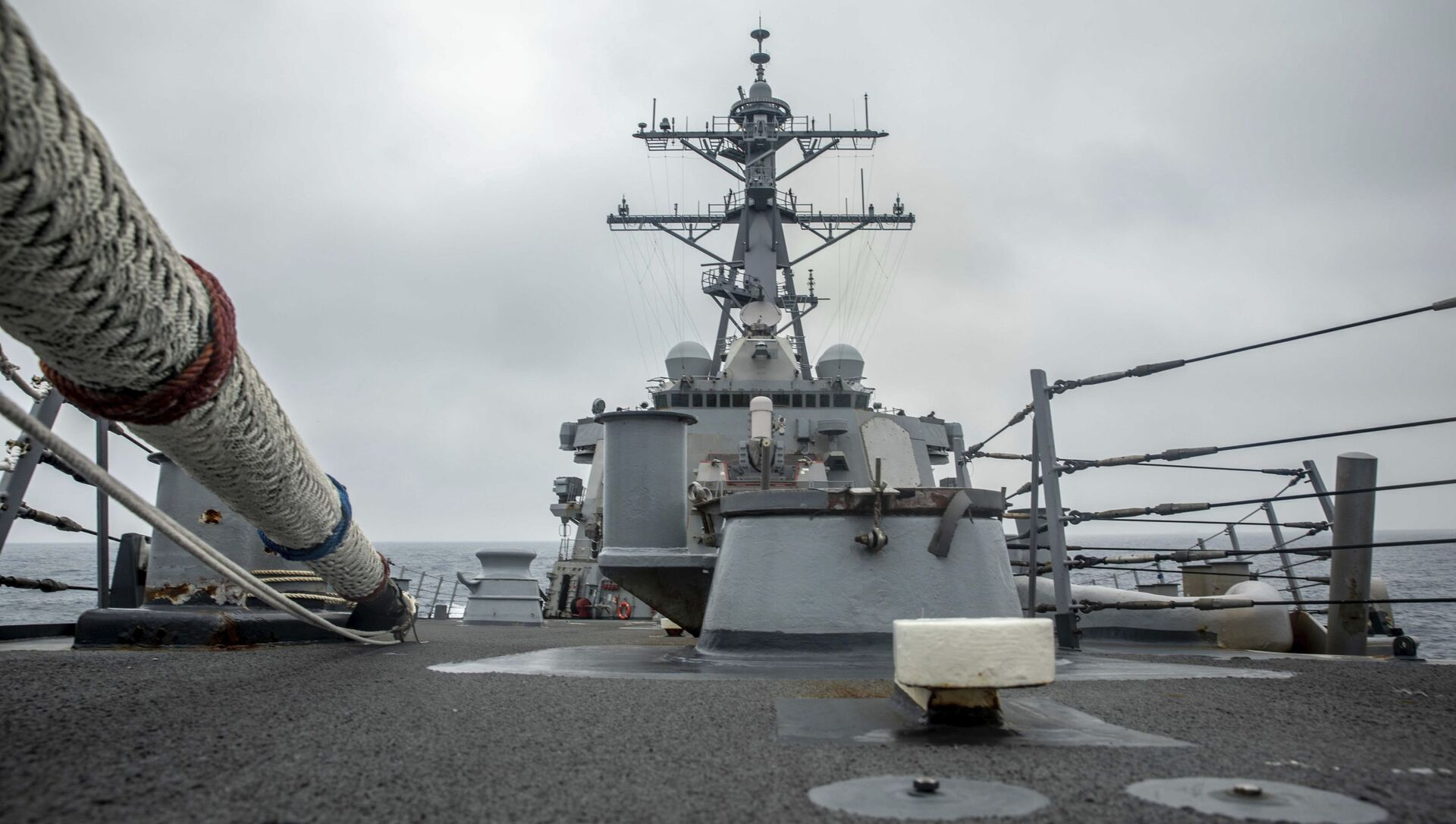 In this photo released by the U.S. Navy, the U.S. Arleigh Burke-class guided-missile destroyer USS Curtis Wilbur (DDG 54) conducts routine operations in the Taiwan Strait, May 18, 2021. - Sputnik International, 1920, 03.08.2021