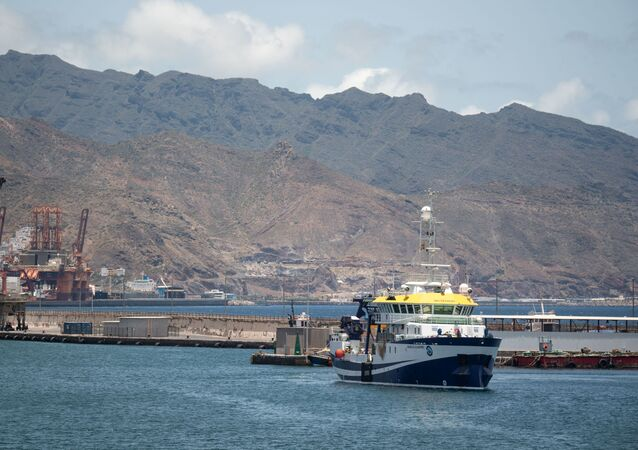 A Spanish vessel leaves the port of Santa Cruz de Tenerife on its way to search for missing Anna Gimeno Zimmermann.