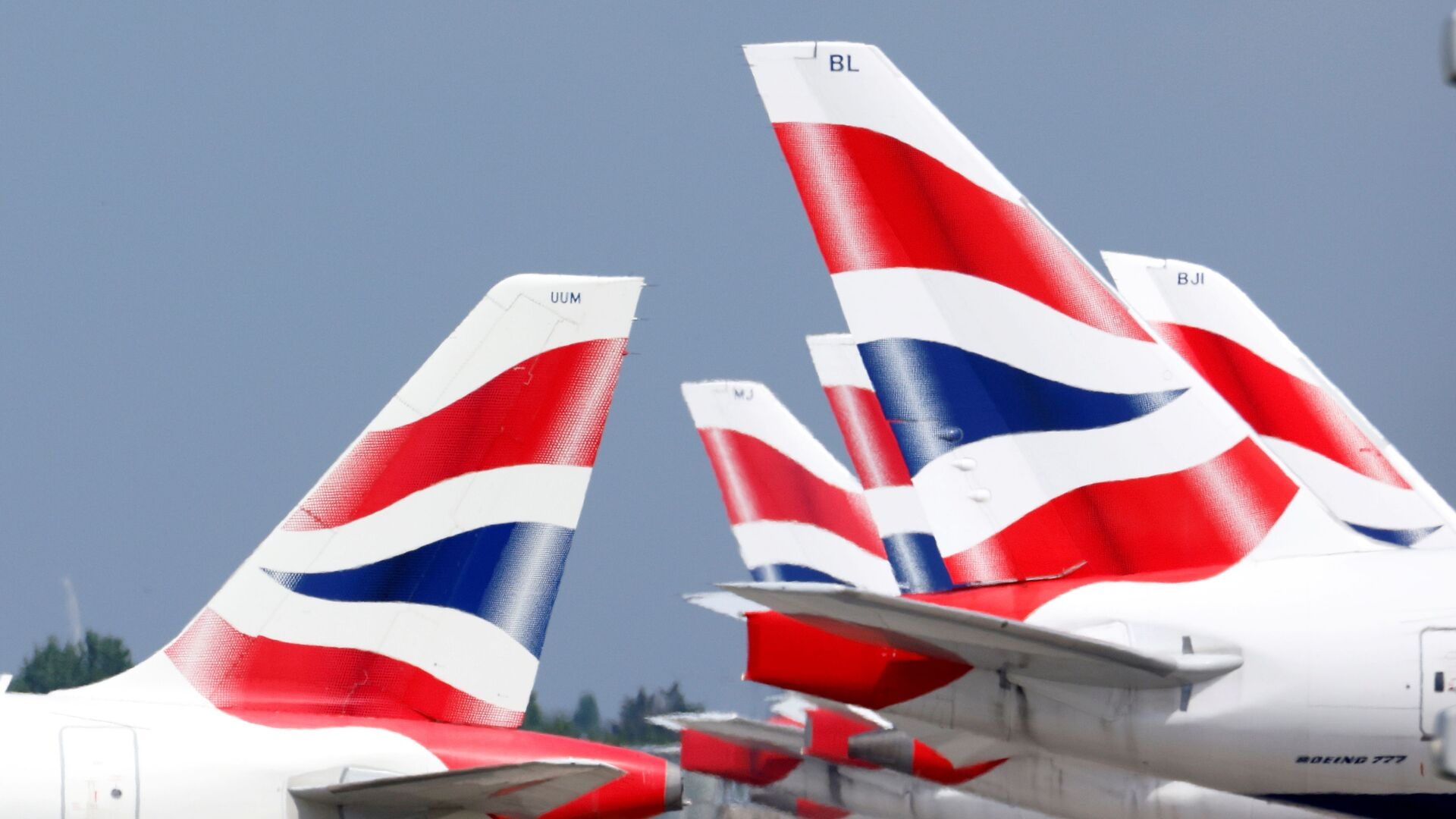 British Airways tail fins are pictured at Heathrow Airport in London, Britain, 17 May 2021 - Sputnik International, 1920, 18.06.2021