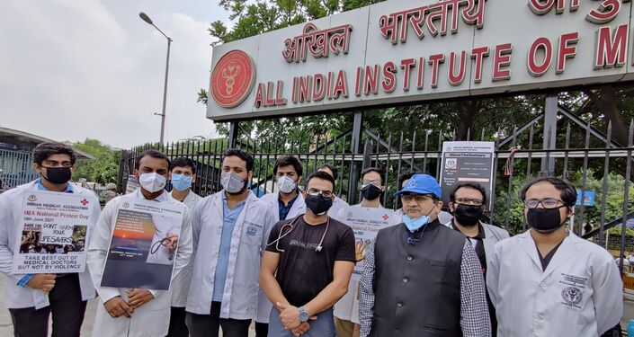 Dr. Jayesh Lele, Honorary Secretary General, IMA along with other agitating doctors during the protest in Delhi on Friday