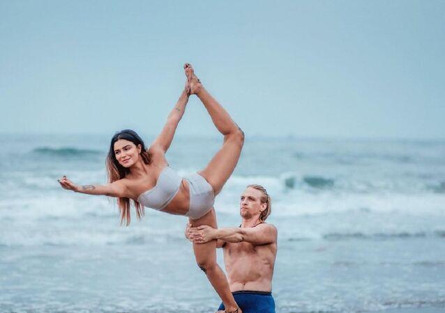Aashka Goradia and her husband Brent Goble.