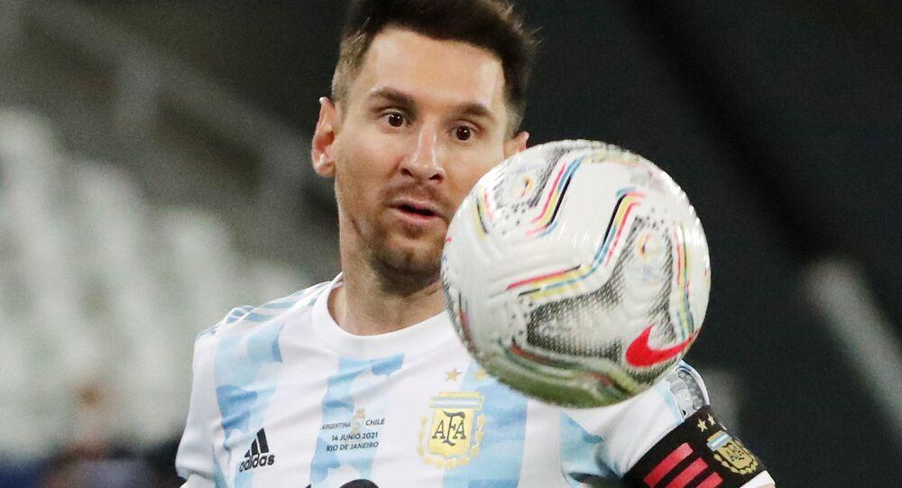 Soccer Football - Copa America 2021 - Group A - Argentina v Chile - Estadio Nilton Santos, Rio de Janeiro, Brazil - June 14, 2021 Argentina's Lionel Messi in action