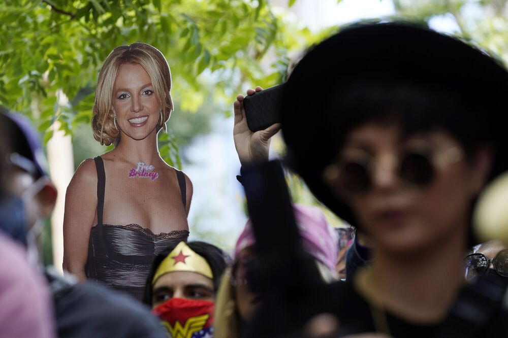 A cut-out of Britney Spears outside the court.