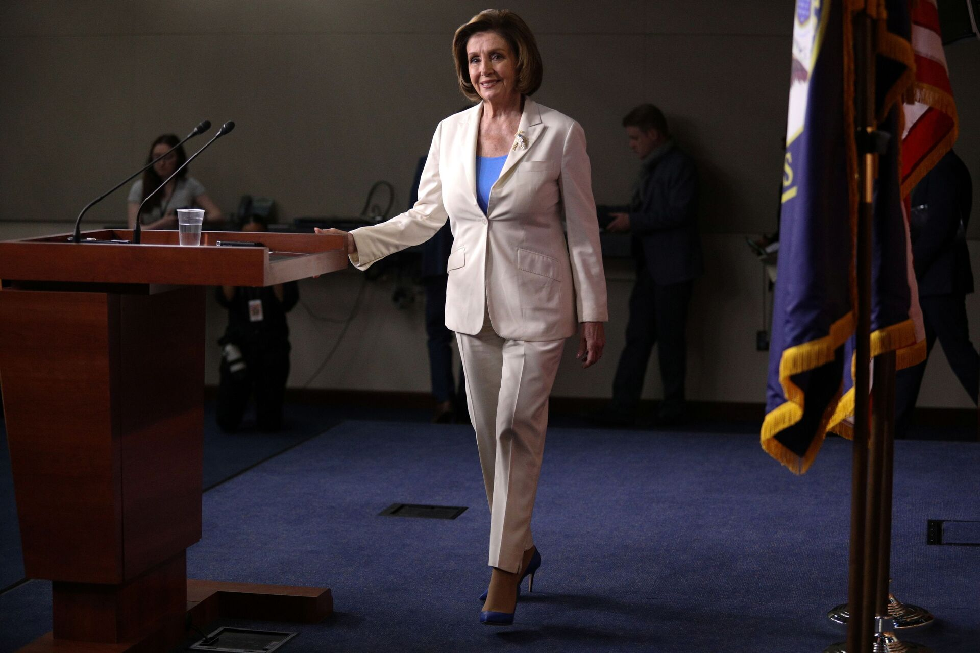 U.S. Speaker of the House Nancy Pelosi walks on stage before her remarks during a weekly news conference on Capitol Hill in Washington, U.S., June 24, 2021 - Sputnik International, 1920, 07.09.2021