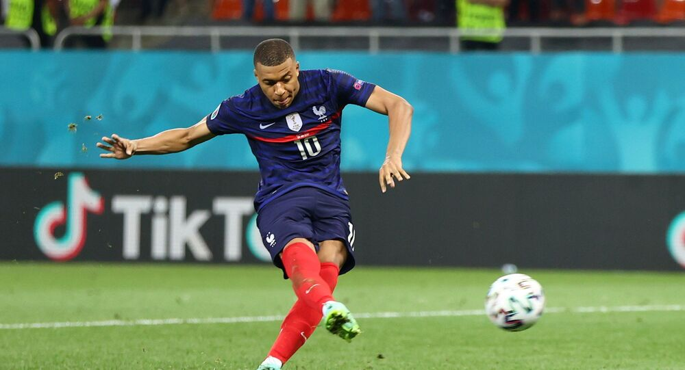 Soccer Football - Euro 2020 - Round of 16 - France v Switzerland - National Arena Bucharest, Bucharest, Romania - June 29, 2021   France's Kylian Mbappe has a penalty saved by France's Hugo Lloris during the shoot-out